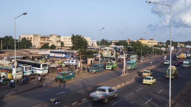 Lavenue-Oua-à-Bamako-au-Mali.